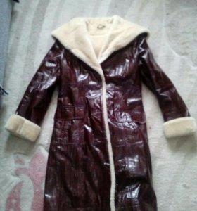 Срочно продам зимнее пальто
