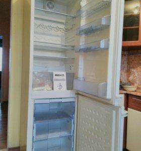 Двухкамерный холодильник ВекоСS351 СА