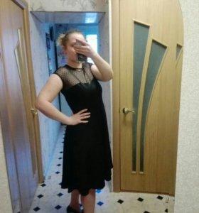 Кокетливое платье НОВОЕ