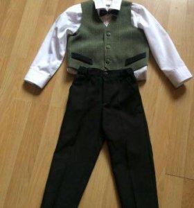 Костюм тройка ( рубашка жилетка брюки)