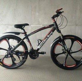 Велосипед чёрный бумер на литых дисках