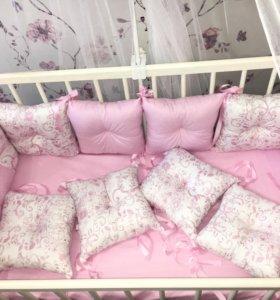 Бортики подушки в кроватку комплект новый