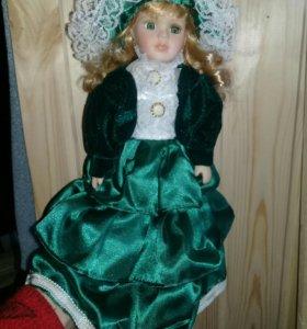 Кукла фарфор с коробкой