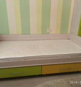 Кровать +ортопедический матрас.