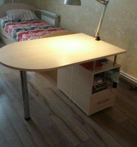 Письменный стол для двух детей