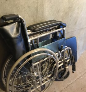 Инвалидное кресло-коляска