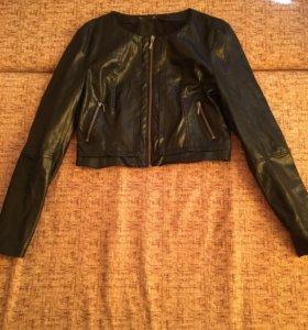 Укорочённая кожаная куртка