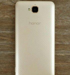 Продам телефон Honor 4c pro в отличном состоянии.