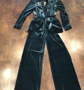 Бархатный костюм новый