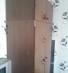 Шкаф плательный с антресолью