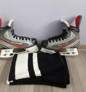 Коньки для хоккея + подарок
