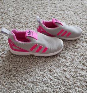 Кроссовки Adidas для девочки лёгкие