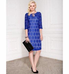 Синее кружевное платье