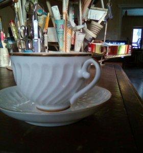 Кофейная чашка сблюдцем