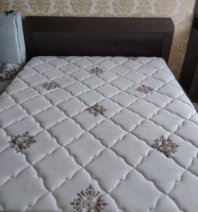 Продаю кровать и матрас