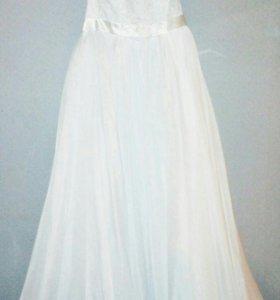 Свадебное платье,шубка и фата