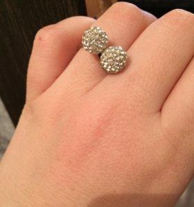 Кольцо серебряное со стразами Swarovski