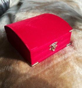Коробочка 9,5*9,5см подарочная под набор украшений