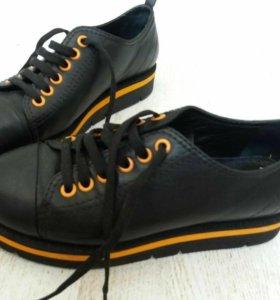 Крутые кожаные туфли waggon