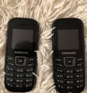 Два телефона Samsung
