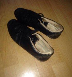 Стильные женские туфли-кроссовки