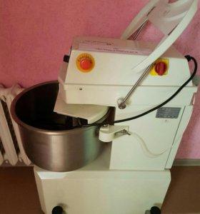 Тестомесительная машина sm-25 Sinmag