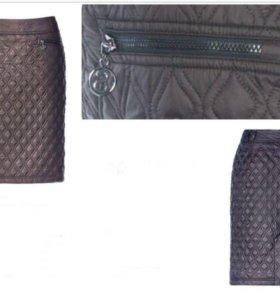 Чёрная женская юбка