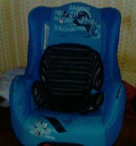 Продам кресло бертони