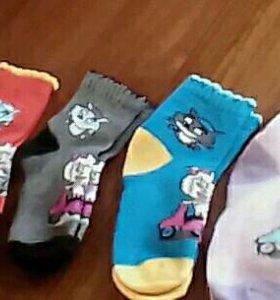 Отдам носки новые