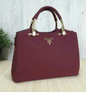 Женская сумка Прада!
