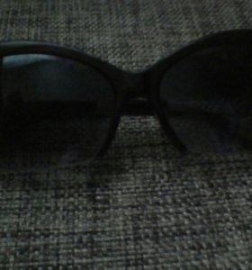Продаю очки солнечные