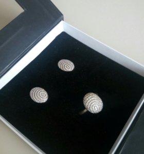 Серебряные сережки и кольцо