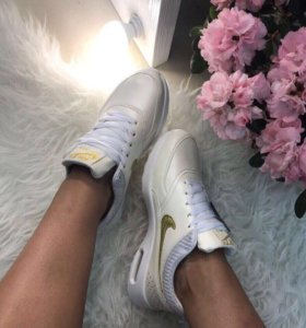 Кроссовки Nike 36р новые