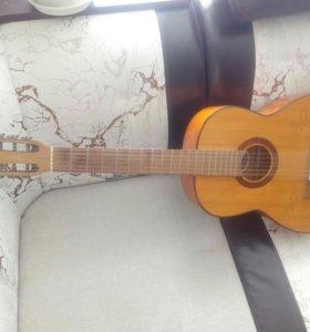 Акустическая гитара CREMONA
