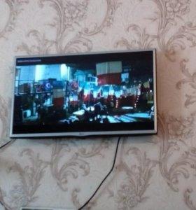 LG - Телевизор