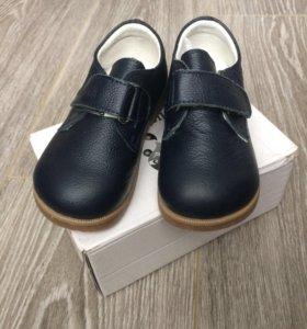 Туфли кожаные новые 25 р