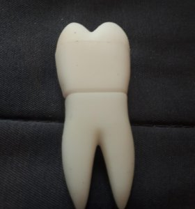 Флешка зуб стоматолога 8 ГБ