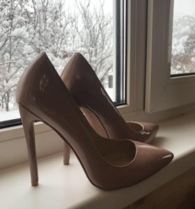Туфли женские лаковые 38 размер