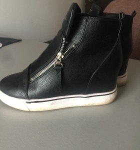 Женские ботинки . Размер 37