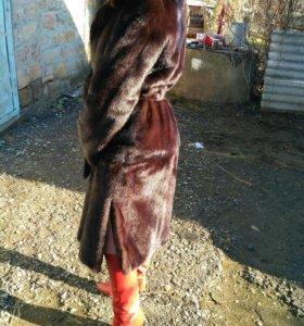 Шуба норковая,новая одевалась один раз!