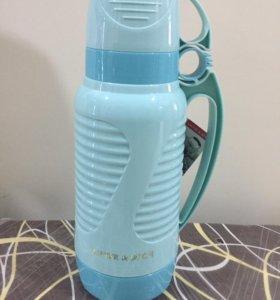 Термос 1,8 л с двумя чашками