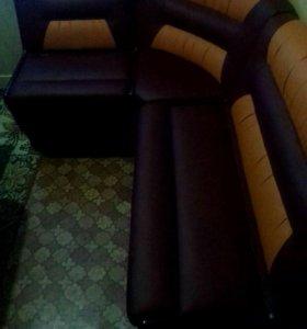 Кухонный дивани два стула