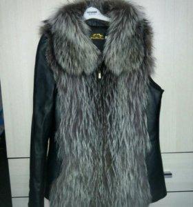 Куртка жилетка