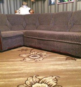 Угловой диван и раскладное кресло
