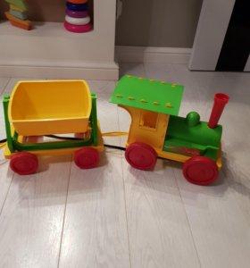 Детский поезд новый с 2 вагонами