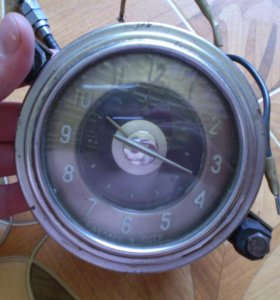 Часы автомобильные от Волга газ 21 ччз СССР