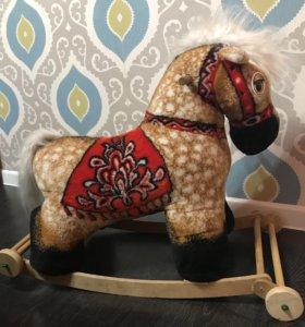 Конь-качалка лошадка детская