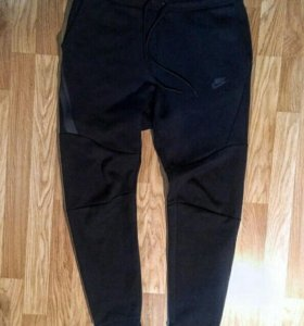 Спортивные штаны NIKE (новые)