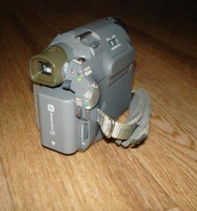 Видеокамера Sony Handycam DCR-HC17E Mini-DV