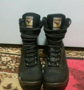 Оригинальные зимние женские высокие ботинки